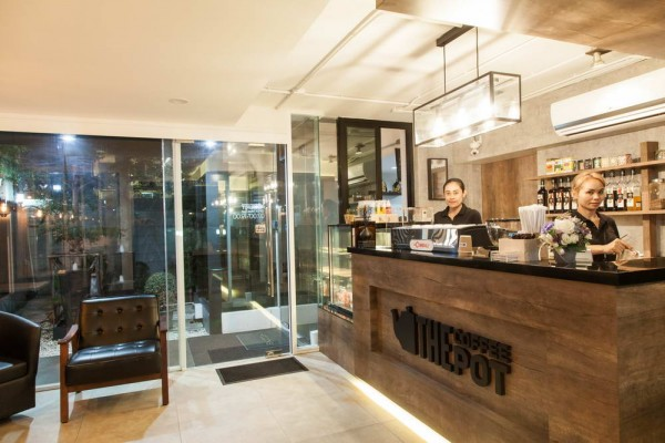 coffee-shop02aEEAC2083-39FA-C59D-8C55-AF150EB63569.jpg